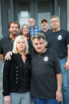 Front row: Margot Maxwell, Marvin Maxwell. Rear, l to r: Wayne Young, Rick Robbins, Gary Sampson, Dave Modica