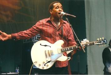 Eddie Cotton - 2011 Chicago Blues Festival - June10, 2011